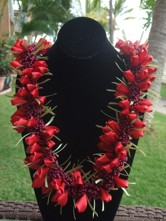 Red Crocus Satin Lei