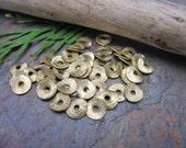 1 Strand Wavy Brass 6mm Coins