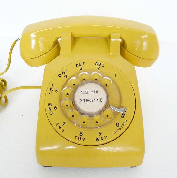 Retro and vintage yellow New York Tel rotary phone