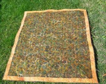 MarveLes DAISY BATIK Green Orange Picnic Quilt Table Runner