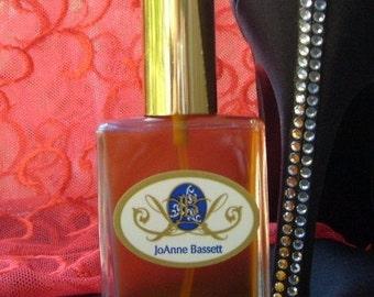 Organic vegan perfume, Sensual Embrace Botanical Eau de Perfume, Natural Perfume, sample, perfume, rose, musk, jasmine, sandalwood, sexy,