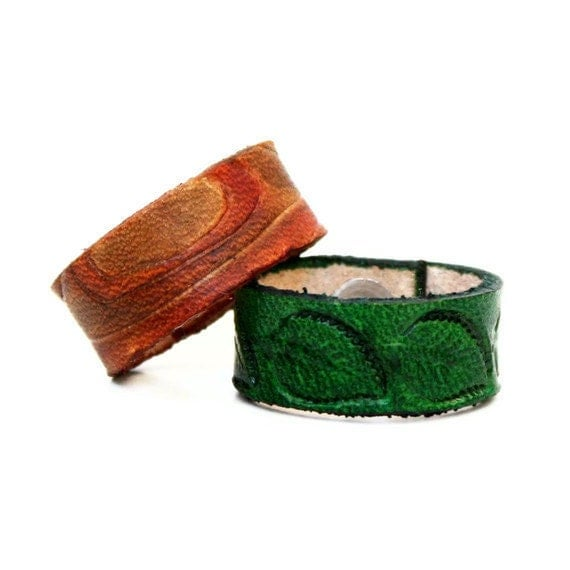 Woodland Leather Ring Set of 2 with Wood Grain and Leaf Rings - Handmade