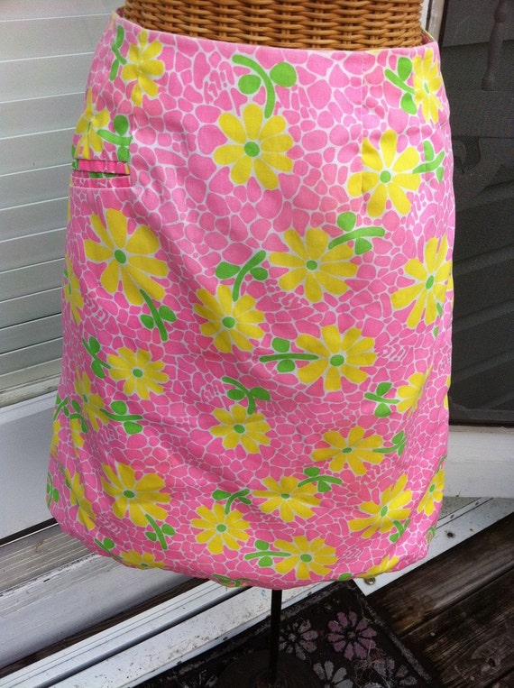 Vintage Lilly Pulitzer skirt.  Small.  Pink floral.  Yellow and green flowers.  Palm Beach style.