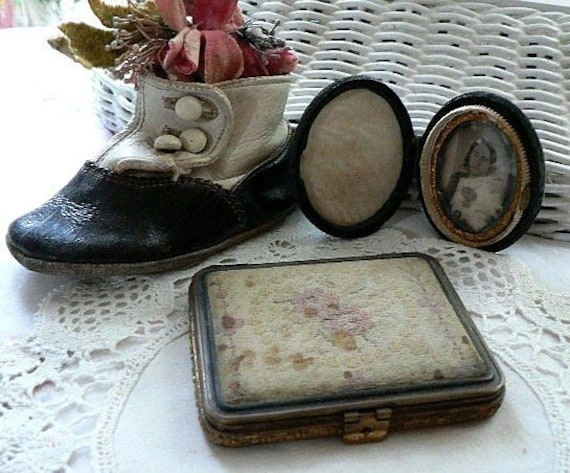 TREASURY ITEM Charming Antique Tortoise and Pettipoint Compact