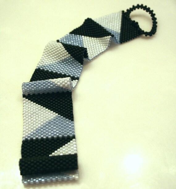 Beaded Band . Geometry Series . Nautical . Lavender, Black, White . Beadwoven Bracelet