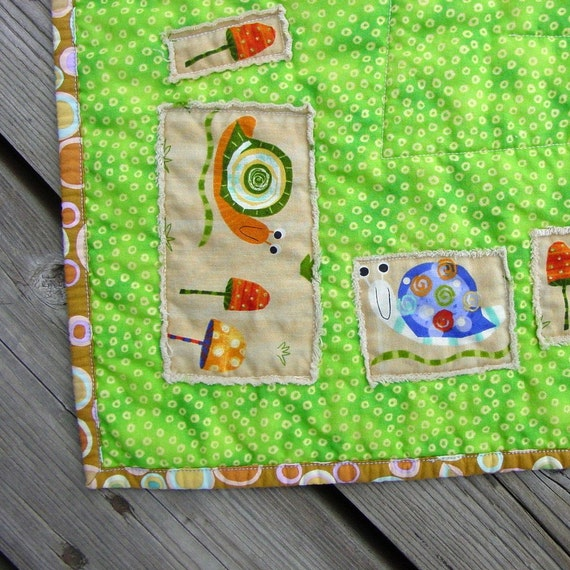 HALF PRICE WEEKLY SPECIAL - The Great Snail Race - Fun Portable Quilt by Toni