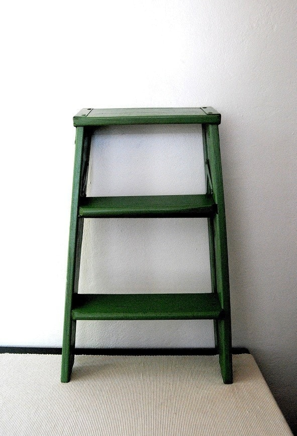 Wooden Step Stool Bedside: Vintage Shabby Cottage Wooden Folding Step Stool FEATURED On