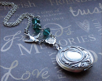 Silver Locket Necklace Womens Locket Photo Locket Jewelry Picture Locket Emerald Locket Wedding Jewelry Bird Locket Bridesmaid Locket Gift