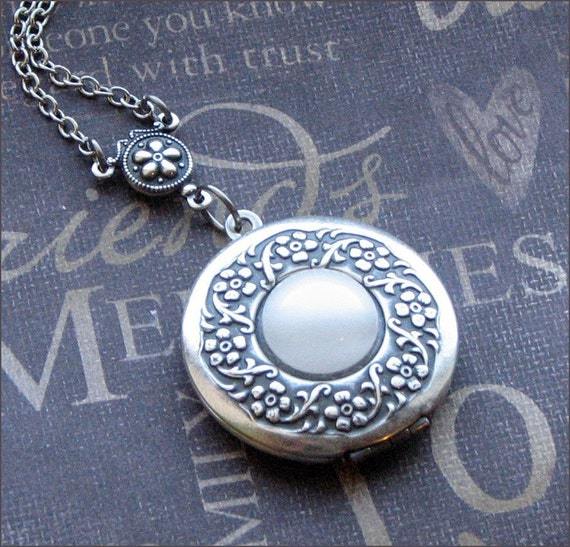 Silver Wreath Locket Necklace- Enchanted Moonstone - Jewelry by TheEnchantedLocket - BEAUTIFUL Wedding Best Friend Wife Gift