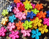 Fancy FlowerButtons  - Assorted colour - Bright Tone - 30 buttons Only 3.15 USD
