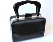 60s mod purse / black vinyl purse / black handbag / vintage handbags / black vintage purse / 1960s purse / paristyle