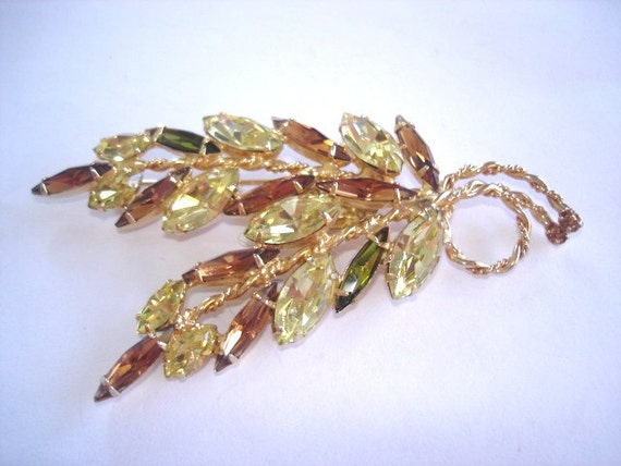 Signed Napier Vintage Jewelry  Topaz Rhinestone Brooch Gold Tone