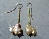 18 k yellow gold earrings with ethiopian opals and 2 barock pearls