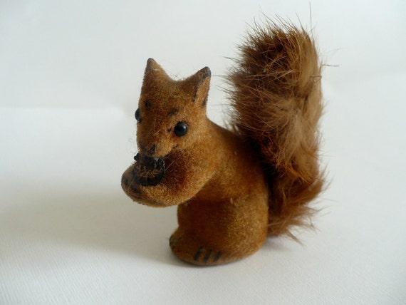 Vintage Wagner Kunstlerschutz Handwork Germany Squirrel Highly Colllectible miniature Figurine