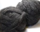 Shetland Wool Roving 24 oz - Charcoal Gray
