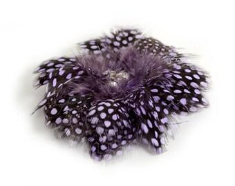 FEATHER FLOWER Guinea / Purple / Crystal Center
