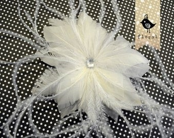 FEATHER FLOWER - White - Feather Fascinator with a crystal heart, goose, ostrich thrills, metal finding at the back, clip and brooch