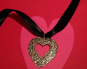 Victorian  Silver Heart Choker Necklace
