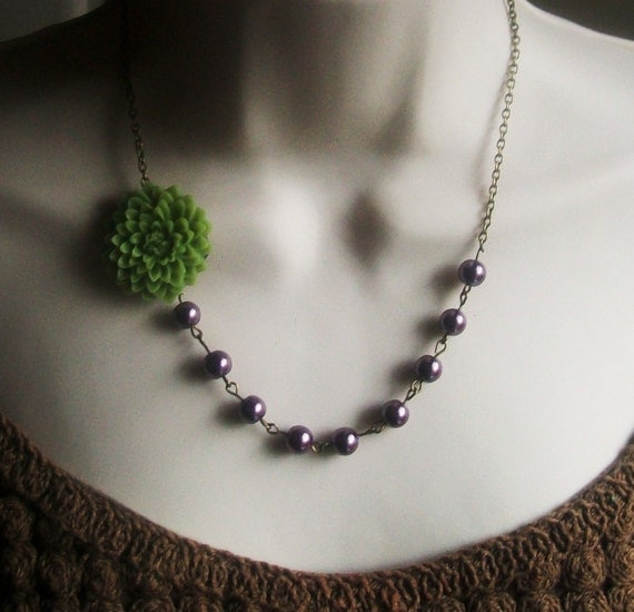 Celadon Green Flower Beaded Necklace with Deep Purple Pearls. Bridal Jewelry. Fall. Vintage Inspired