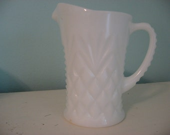 VINTAGE MILKGLASS PITCHER