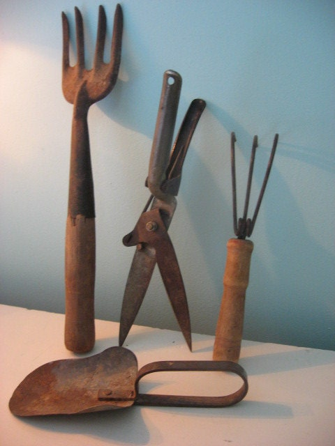 Vintage rustic garden tool collection for Gardening tools vintage