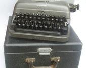 Vintage Remington Typewriter Working