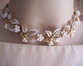 Beautiful Vintage CORO Necklace Choker in White and Gold, Leaf or Lily Design