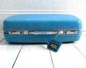 Vintage 1960s Sky Blue Samsonite Suitcase