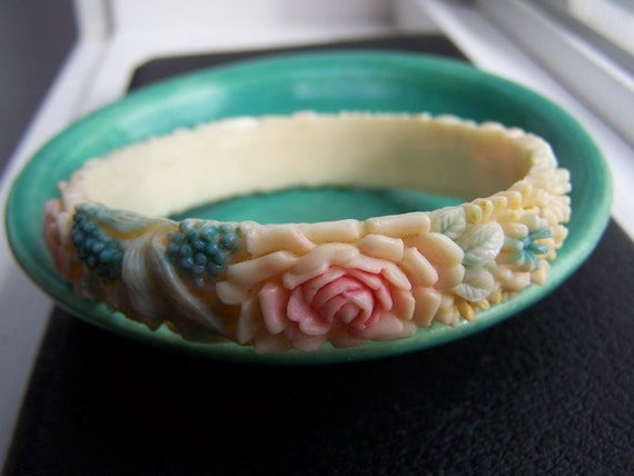 Celluloid bangle Bracelet Pastel Roses Spring VINTAGE Beautiful