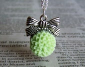Green Mum and Bow Necklace