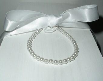 White Pearl Ribbon Bracelet