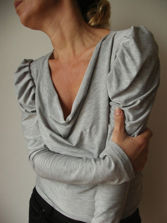 Pearl Grey tiny striped Top / Leg-of-mutton Sleeves