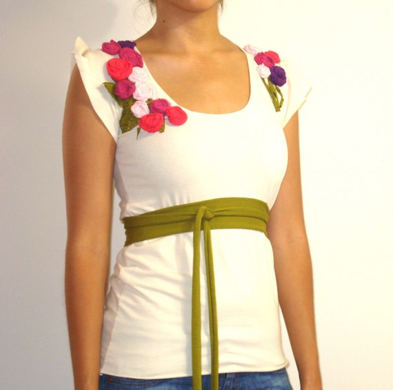 Organic Top with Rosette Flowers and Leaves, Flutter Sleeves and Detachable Belt - TESSIE