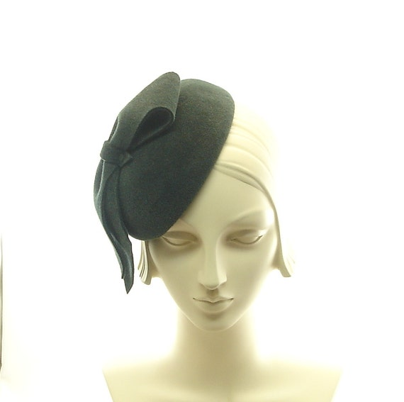 Green Felt Pillbox Hat for Women - 1930s Style Cocktail Hat - Big Felt Bow