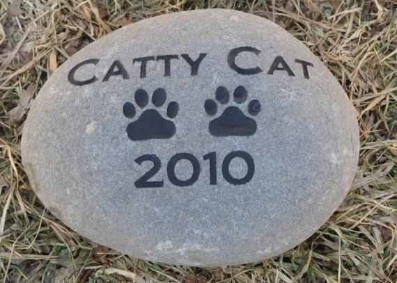 Personalized Cat Dog Pet Memorial Stone 7-8 Inch Memorial Cemetery Stone Marker