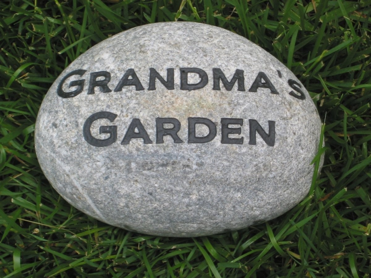 Custom Engraved Garden Stone For Mom And Grandmom Mother 39 S