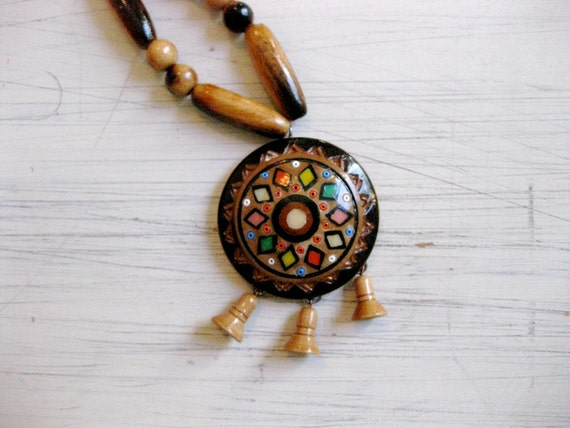 vintage 1970s // folk art wooden bead necklace
