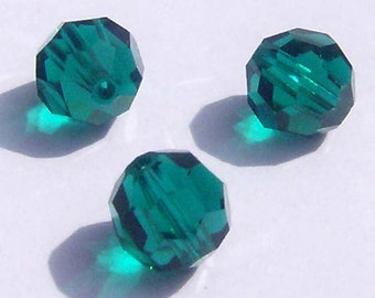 Swarovski Crystal Beads Round Crystals 5000 EMERALD Green -- Choose 4mm, 6mm or 8mm