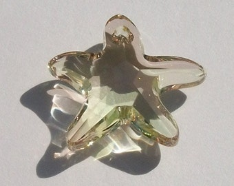 Sale - 16mm Swarovski crystal Pendant bead Starfish -- LUMINIOUS GREEN -- 1 piece