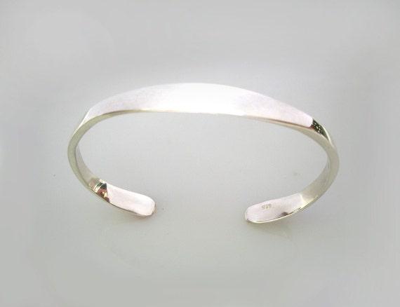 The Mona Bracelet