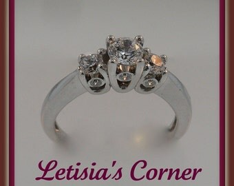 14K Gold Diamond Engagement Ring - LCR001