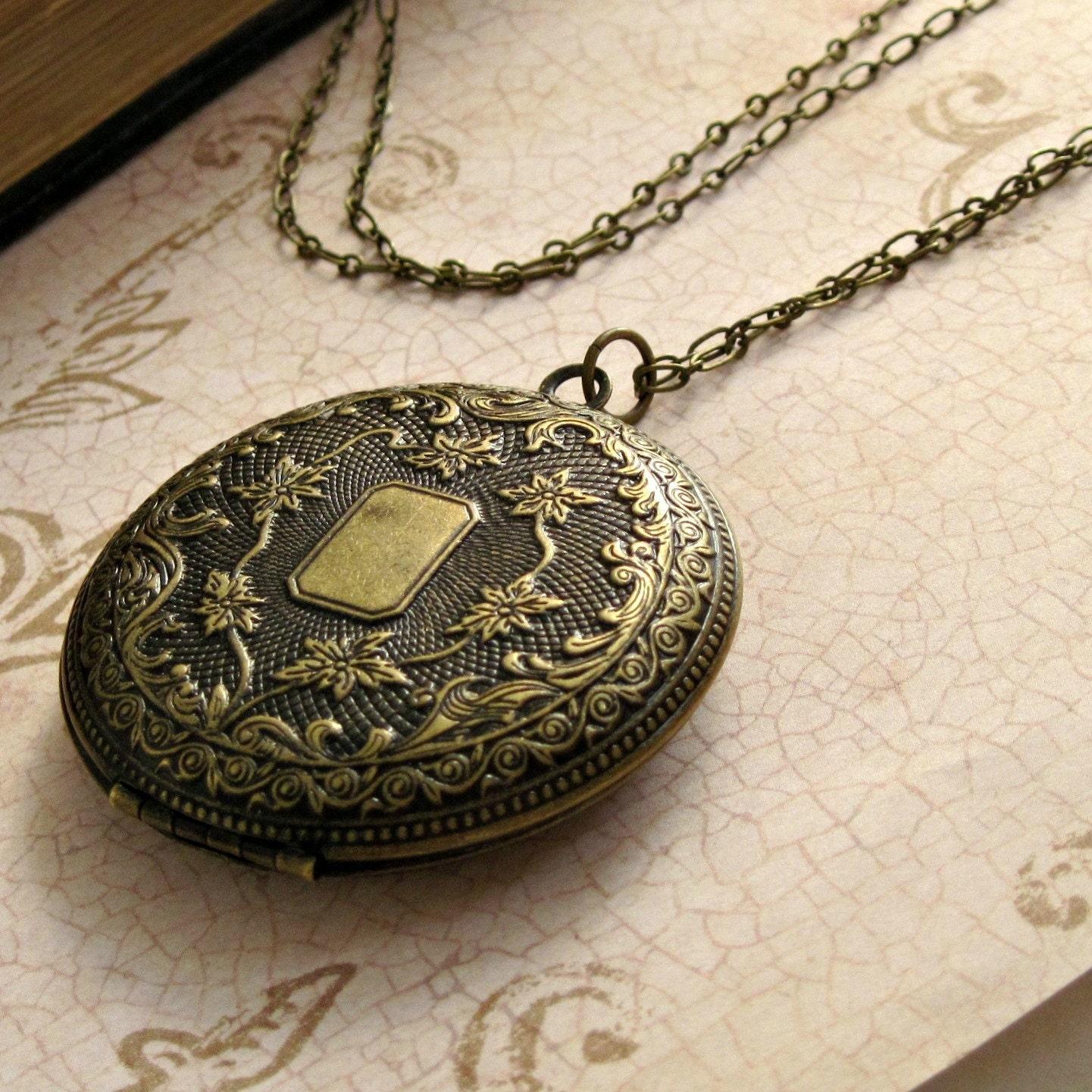 engraved floral locket necklace mother 39 s by. Black Bedroom Furniture Sets. Home Design Ideas