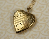 Vintage Gold Heart Locket Necklace, Stripes and Flowers, 1940s Art Deco Style Pendant, Removable Photo Frames, Small to Medium Size