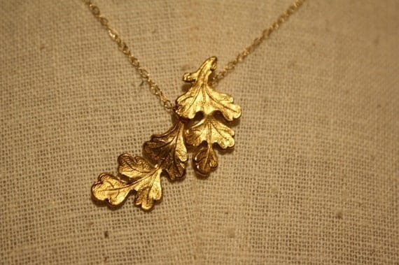 Oak Leaf Necklace, Small Pendant, 14kt Gold Filled Chain, Bridal Jewelry, Bridesmaids Gifts, Autumn and Fall Season