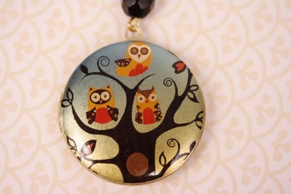Whimsical 3 Owls in a Tree Locket, Long Pendant Necklace, Colorful Art Deco Image, Black Glass Bead, Round Photo Jewelry