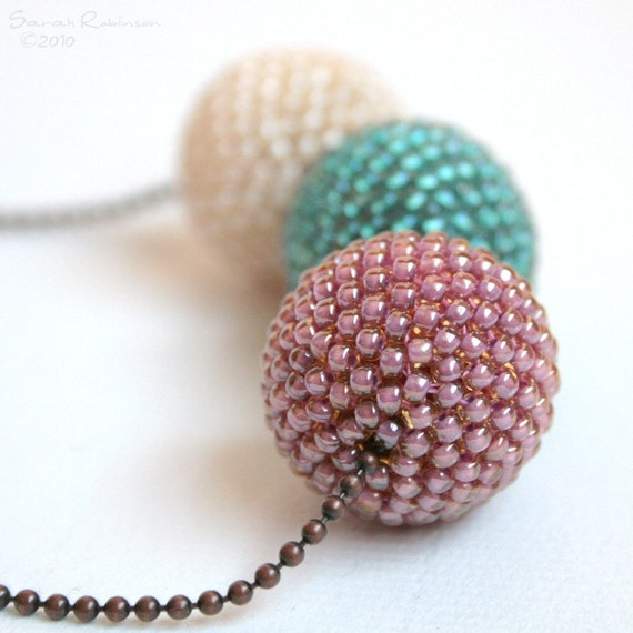 Three Big Sweet Autum Beaded Beads Necklace