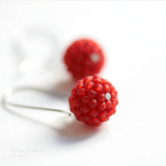 Passion Red Beaded Bead Earrings