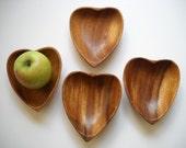 heart healthy retro wooden salad bowls - set of 4 unused
