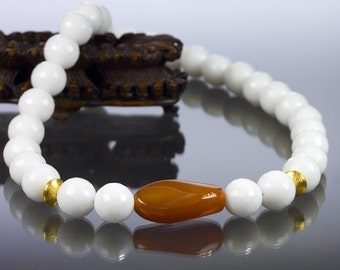 White and brown agate necklace