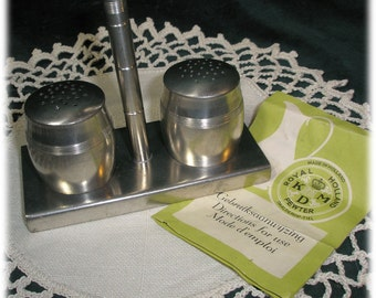 1960s Pewter Salt and Pepper Daalderorp Tiel K.M.D. Royal Holland Pewter  Made in Holland ZTI